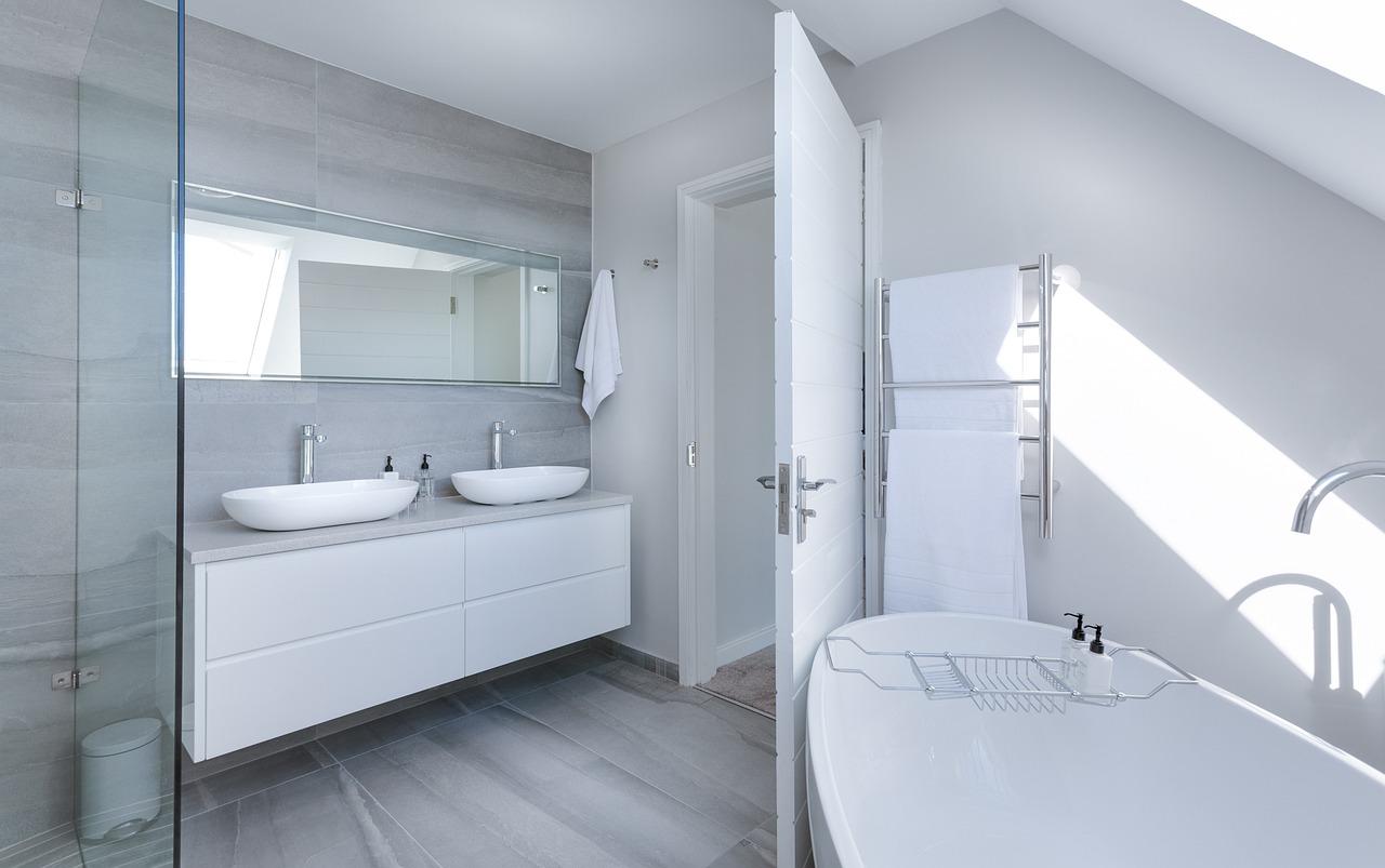 Drzwi do łazienki – jakie będą najlepsze?