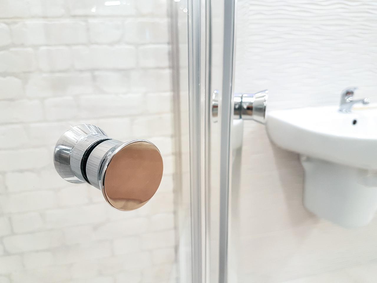 Prysznic walk-in: eleganckie i praktyczne rozwiązanie dla Twojej łazienki!